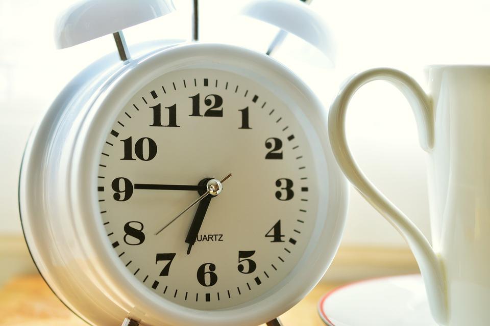 alarm-clock-2116008_960_720